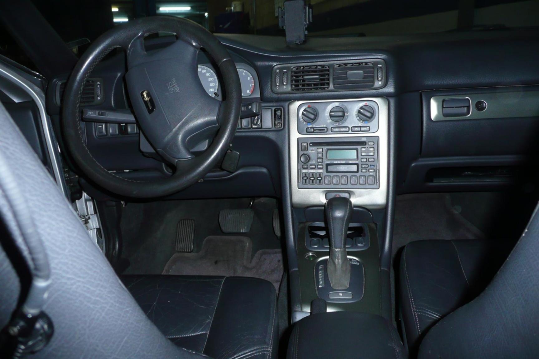 Volvo-V70-16