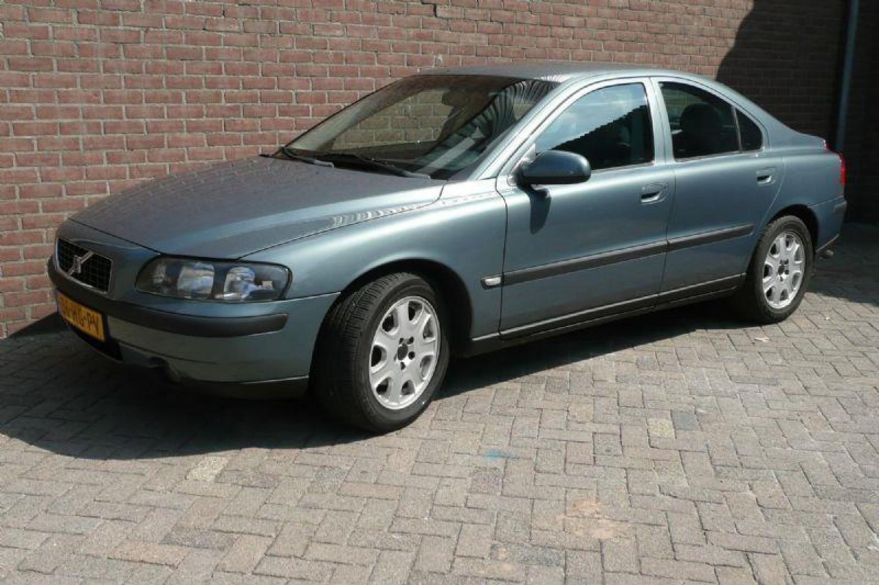 Volvo-S60-4