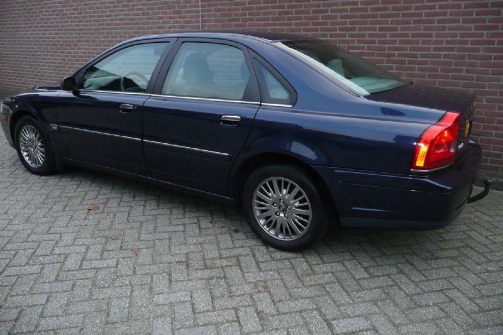 Volvo-S80-2