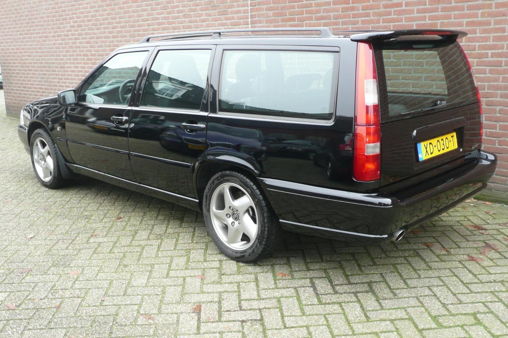 Volvo-V70-2